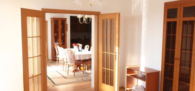 Ponúkame na predaj nadštandardný 5 izbový byt na Mlynskej ulici v Piešťanoch.