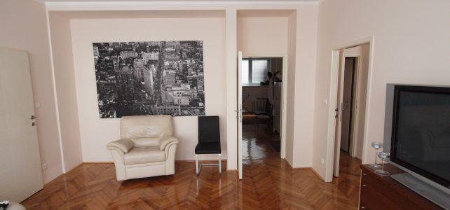 Ponúkame na prenájom kompletne zrekonštruovaný 3 izbový byt na Jesenského ulici