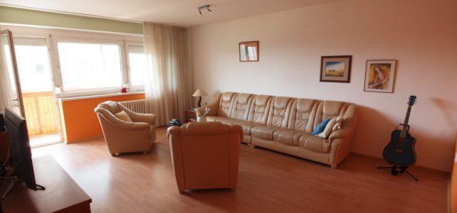 Ponúkame na predaj priestranný 3 izbový byt sterasou amalou lóggiou na Prešovskej uici.